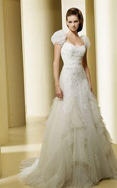 304 best Snow White Themed Wedding images on Pinterest   Snow White ...
