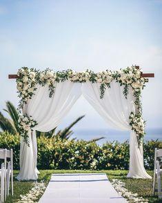 A Wedding Flowers Idea That Benefits Your Community – Best Wedding Planning Tips Elegant Wedding, Diy Wedding, Wedding Flowers, Dream Wedding, Wedding Day, Budget Wedding, Wedding Suits, Trendy Wedding, Wedding Table