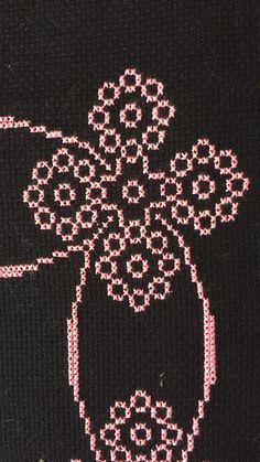 Embroidery Designs, Cross Stitch, Saree, Pattern, Cross Stitch Embroidery, Stitches, Embroidery Ideas, Punto De Cruz, Crosses