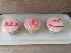 Cupcakes para aniversário de menina