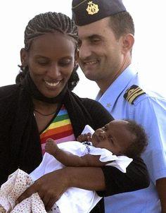 PETALI DI CILIEGIO ...per coltivare la speranza: Il sorriso di Meriam, finalmente libera e insieme ...