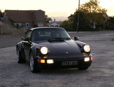 Porsche 964 Turbo 3.6 driven by Will Smith in Bad Boys.