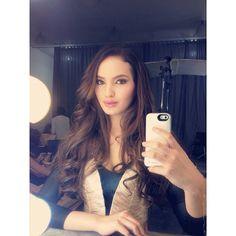 Sarah Lahbati @sarahlahbati | Websta Sarah Lahbati, Filipina Beauty, What To Wear, Faces, Celebs, Asian, Selfie, Long Hair Styles, Pretty