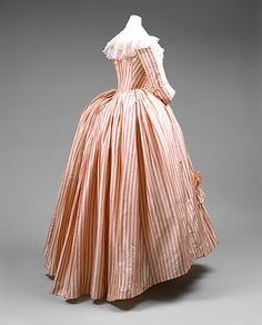 Robe à l'Anglaise, 🌹 In eighteenth-century dress, the torso was encased by layers of quilted linen and boning that constitute an exaggerated exoskeleton. 🌹 An inevitable consequence of this redefinition of the torso is an emphasis on the hip and 18th Century Dress, 18th Century Costume, 18th Century Clothing, 18th Century Fashion, Mid Century, Vintage Outfits, Vintage Gowns, Vintage Mode, Vintage Fashion