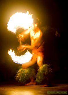 Fire Dancer in Lihue, HI on 2011.02.11 © Bobby Samat 2011