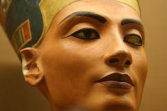 Nefertiti | Sin embargo fue la figura de Nefertiti que Akenaton había esculpido ...