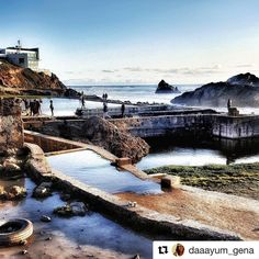 BEAT THE BLUES! When in San Francisco, be sure to visit the Sutro Baths Ruins. Previously a saltwater swimming complex, it was burned down in 1966. Cool place to see the ocean waves crashing in!  Photo credit: @daaayum_gena  #usa #sf #ocean #travel #gourmettrails