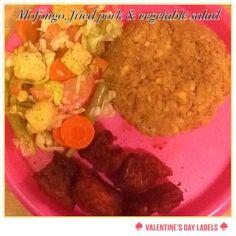Mofongo, pork shoulder chops and vegetables salad Puerto Rican Recipes, Vegetable Salad, Guacamole, Spanish, Tacos, Pork, Homemade, Dinner, Vegetables