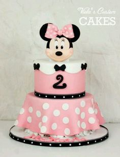 Minnie Mouse cake for b-day Minni Mouse Cake, Mickey And Minnie Cake, Minnie Mouse Birthday Cakes, Minnie Mouse Theme, Birthday Cake Girls, Pink Minnie, 2nd Birthday, Birthday Ideas, Character Cakes