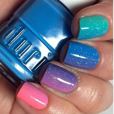 Colorful gradient nails