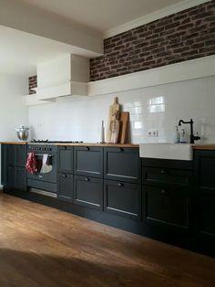 New Kitchen Island Ikea Ideas Shelves Ideas Ikea Kitchen Design, Black Kitchens, Kitchen Plans, Kitchen Remodel, Kitchen Decor, Modern Kitchen, Home Kitchens, Kitchen Design, Kitchen Paint