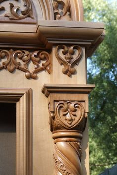 VK is the largest European social network with more than 100 million active users. Wooden Front Door Design, Door Gate Design, Wooden Front Doors, Pillar Design, Cement Art, Angel Sculpture, Wood Mantels, Wood Carving Designs, Victorian Furniture