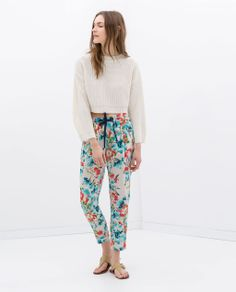 Image 1 of FLORAL PRINT LOOSE FIT TROUSERS from Zara