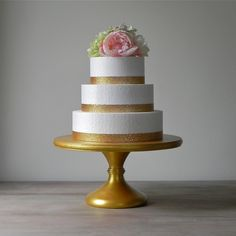 cool How to Pick Gold Wedding Cake Stand for a Great Moment
