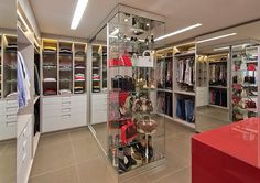 #theprincesscloset #closet #clothes #roupas #bolsas #bags #sapatos #shoes #personalorganizer #organização #organization #lux #luxe #luxo #luxury #decor #decoration #decorations #design #designdeinteriores