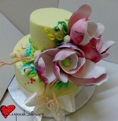 https://www.facebook.com/Ciupakabra.cakes/photos/a.151635968198932.26296.138658532830009/1022642307764956/?type=3