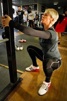 La terapia en cuclillas, en cuclillas del peso del cuerpo, una mejor posición en cuclillas, la mejora en cuclillas, la movilidad