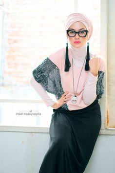 Street Hijab Fashion ... Love the Hijab wrapping <3