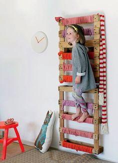 DIY Kletterwand aus Paletten