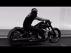 Harley Davidson Breakout Burnout Winner (Leglis from Queensland Australia) - YouTube
