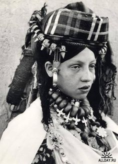 Africa | Portrait of a Jewish woman from Goulmima. Morocco. 1957 | © Jean Besancenot