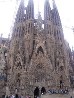 Spain-Barcelona-Sangrada Familia Places To Travel, Places To Go, Antoni Gaudi, Church Architecture, Spain And Portugal, Future Travel, Barcelona Spain, Travel Abroad, Spain Travel