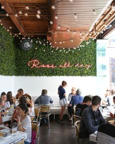 7 Swoon-Worthy Chicago Food Stops | Out to Eat