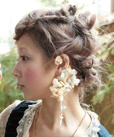 26:イヤーカフをつけるとしたらこちらが可愛いと思いました/m.soeur(エムスール)のあじさいと小花のイヤーカフ*(イヤリング)|その他