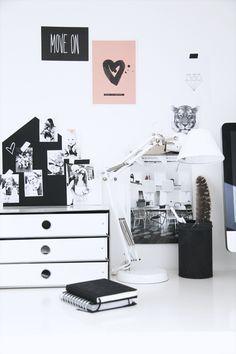 Elisabeth Heier's home office. Workspace Inspiration, Interior Inspiration, Desk Inspo, Colour Story, Interior And Exterior, Interior Design, Office Workspace, Office Decor, White Office
