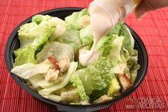 Salada de alface com molho de creme de leite+queijo ralado+suco de limão+cheiro verde