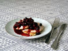 Pancakes - schnell & fluffig Waffles, Fruit, Breakfast, Food, Food Food, Meal, The Fruit, Eten, Meals