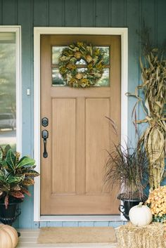 A Front Porch Makeover For Fall | theglitterguide.com