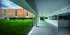 Escuela Universitaria De Magisterio / Ramón Fernández-Alonso