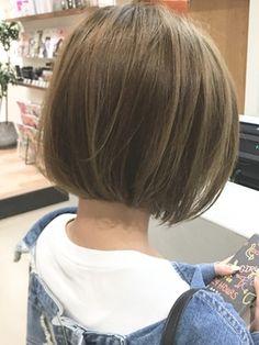 Pin on ヘア Pin on ヘア Short Layered Haircuts, Short Bob Hairstyles, Pretty Hairstyles, Medium Hair Cuts, Short Hair Cuts, Shot Hair Styles, Long Hair Styles, Chin Length Haircuts, Korean Short Hair