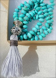 Knotted magnesite stone mala bead necklace