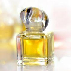 Eigenes Parfum selber mischen: Parfum Rezept für süßes Parfum mit Vanille Duft