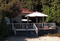 Richard Gere (Malibu) Small and cozy for a star. Like that in him.