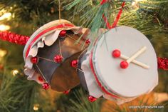 Drum Christmas Ornament - A cute way to repurpose all those can lids