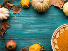 Green fall background with squash , Thanksgiving Punch, Thanksgiving Vegetables, Thanksgiving Snacks, Thanksgiving Background, Thanksgiving Cocktails, Thanksgiving Prayer, Thanksgiving Stuffing, Thanksgiving Wallpaper, Fall Background