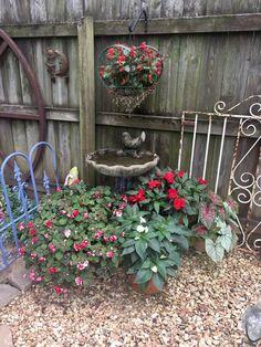 What a fun little area! Garden Whimsy, Garden Junk, Garden Yard Ideas, Garden Projects, Rustic Gardens, Outdoor Gardens, Container Flowers, Outdoor Landscaping, Yard Art