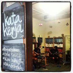 Katakerja: mini library and galery, crative classes, book and film club, mini art shop!