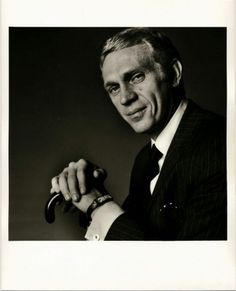 Steve McQueen, portrait by Richard Avedon - Vintage silver print - Photo Memory