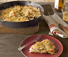 Serve this tasty potato cake — layered with tart apples and Jarlsberg — alongside a simple green salad and Pinot Gris. Recipe: Potato Cake with Tart Apples and Jarlsberg Cast Iron Skillet Cooking, Iron Skillet Recipes, Cast Iron Recipes, Veggie Recipes, Real Food Recipes, Dinner Recipes, Cooking Recipes, Batch Cooking, Oven Cooking
