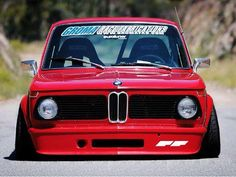 so much stance! I like this for my but maybe no flairs Bmw 2002, Sport Cars, Race Cars, Bmw E38, 135i, Bavarian Motor Works, Auto Retro, Bmw Alpina, Bmw Classic Cars
