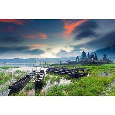 Loc : Tamblingan Lake - Bali  by vicbvlgari
