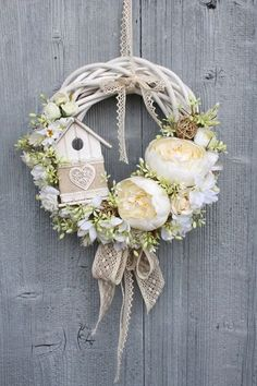 im obsessed with wreaths i think they add so much to any decor. Easter Wreaths, Christmas Wreaths, Christmas Decorations, Wreath Crafts, Diy Wreath, Door Wreaths, Deco Floral, Summer Wreath, Spring Wreaths