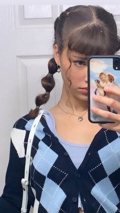 b ☆ You are in the right place about hair clips peinados con Here we offer you the most beautiful pi High Ponytail Hairstyles, Baddie Hairstyles, High Ponytails, Cute Hairstyles, Grunge Hairstyles, Short Curly Hair, Curly Hair Styles, Natural Hair Styles, Curly Bangs