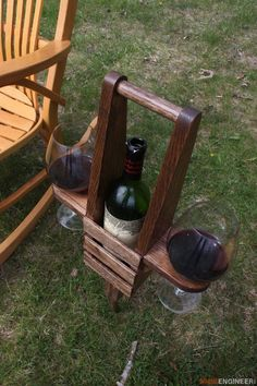 Plans of Woodworking Diy Projects - DIY Outdoor Wine Caddy Plans - Rogue Engineer 4 Get A Lifetime Of Project Ideas & Inspiration! Small Woodworking Projects, Diy Wood Projects, Teds Woodworking, Outdoor Projects, Woodworking Crafts, Wood Crafts, Woodworking Furniture, Carpentry Projects, Popular Woodworking