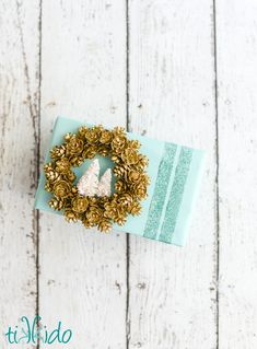 Pinecone Wreath Gift Wrap