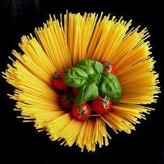 Food-Fotografie: Wuchtiges Spaghetti-Stilleben